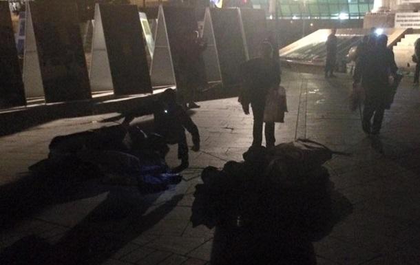 Милиционеры нашли в снесенных палатках на Майдане алкоголь и шприц