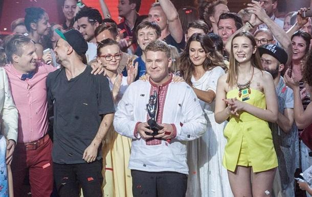 Победитель Голос країни получил от тренера проекта Тины Кароль квартиру в Киеве.