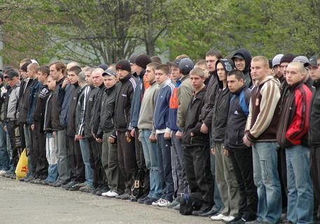На западной Украине начали устраивать облавы на призывников