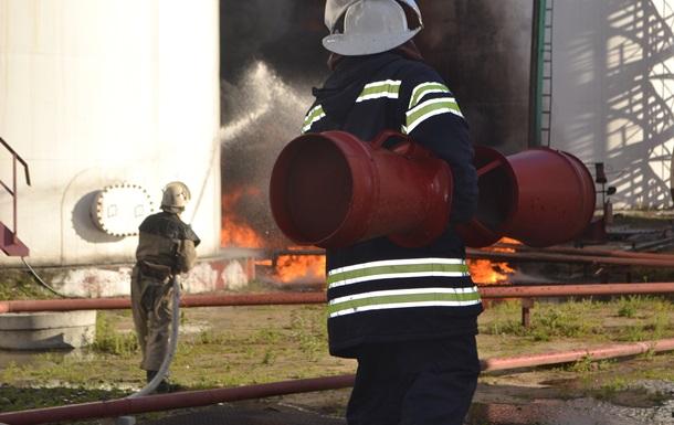 Взрыв на нефтебазе в Василькове