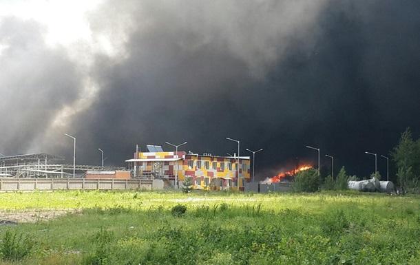 Пожар под Киевом: детей просят не выходить на улицу