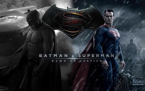 Warner Bros. раскрыла сюжет  Бэтмена против Супермена