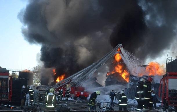 Горящая нефтебаза была построена незаконно – МВД
