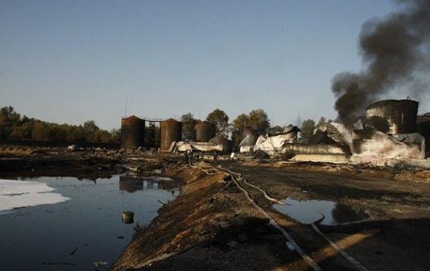 СНБО: На нефтебазе под Киевом возможны новые взрывы