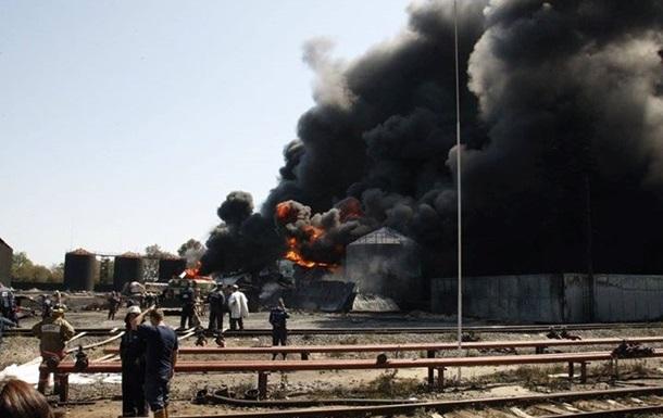 На горящей нефтебазе возле Василькова найдено тело