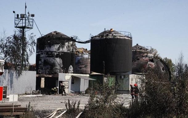 Горящий резервуар на нефтебазе погас сам по себе - ГСЧС
