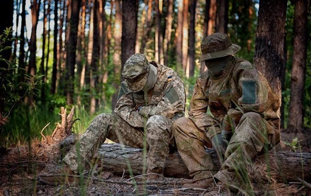 У Порошенко показали новый камуфляж для армии