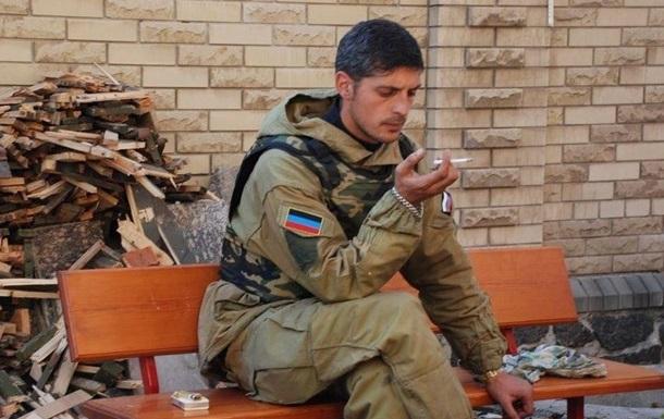 Гиви пьет чай. Российские СМИ отрицают ранение полевого командира