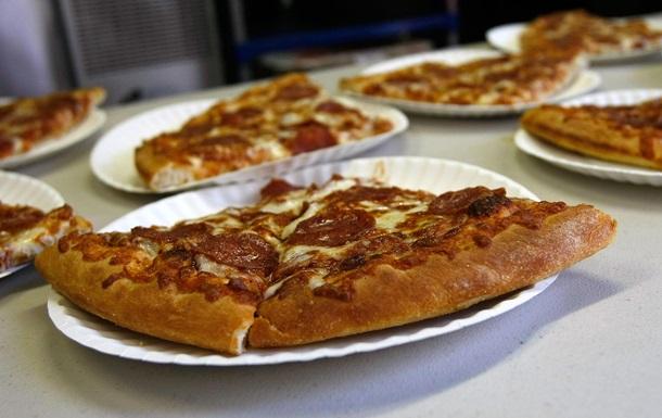 Новый кулинарный рекорд. Итальянцы приготовили самую длинную пиццу в мире