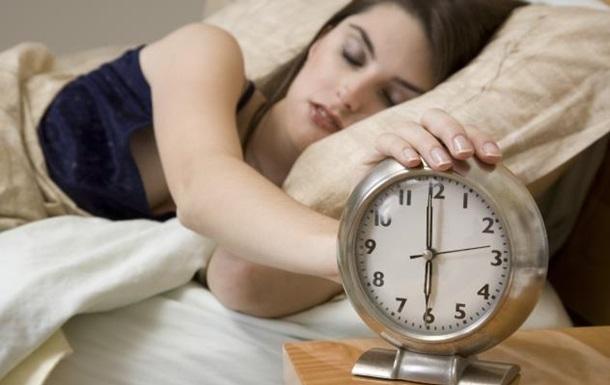 Нехватка сна может привести к алкоголизму и ожирению – ученые