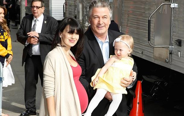Алек Болдуин в 57 лет в третий раз стал отцом