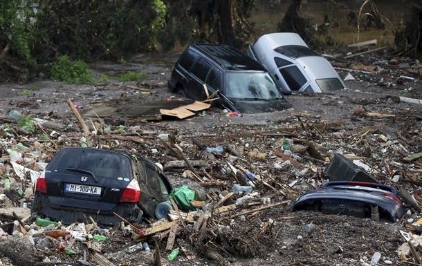 Число жертв наводнения в Тбилиси достигло 18 человек