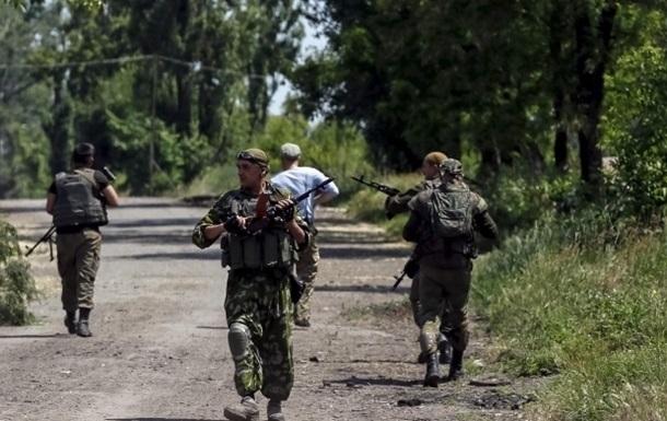 Бой в Марьинке: ранены двое военных