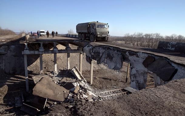 В Луганской области взорвали автомобильный мост