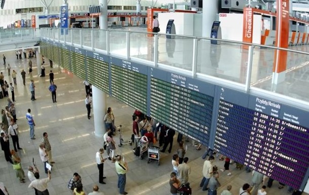 Хакеры взломали систему международного аэропорта Варшавы