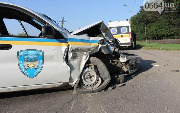 ДТП в Кривом Роге: школьник въехал в авто госслужбы охраны