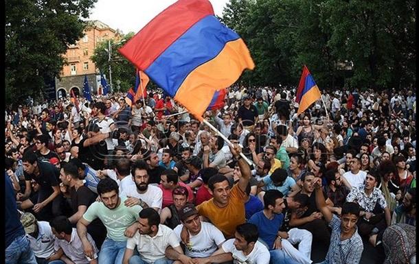В Ереване полиция разогнала акцию против повышения тарифов на электричество