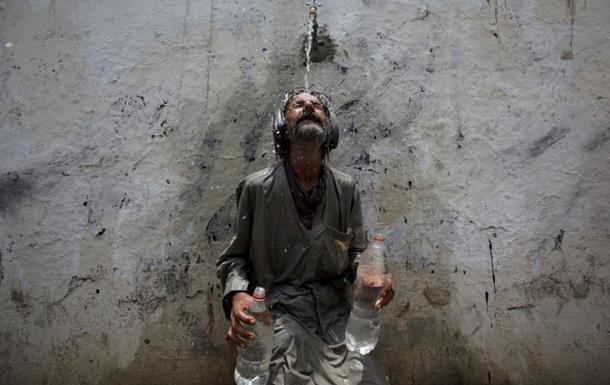 Число жертв жары в Пакистане превысило 800 человек