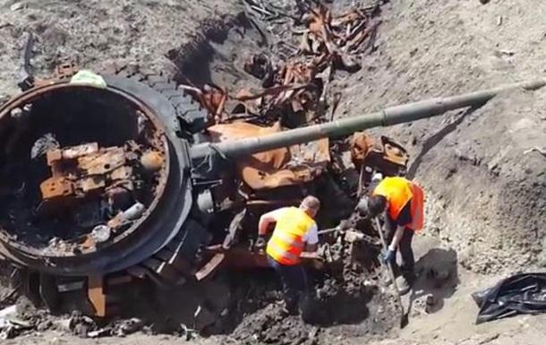 В зоне АТО башней подорванного танка убило троих бойцов