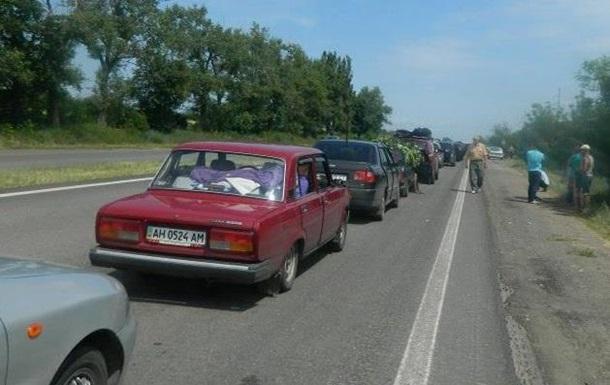 На трассе Мариуполь-Донецк растут пробки