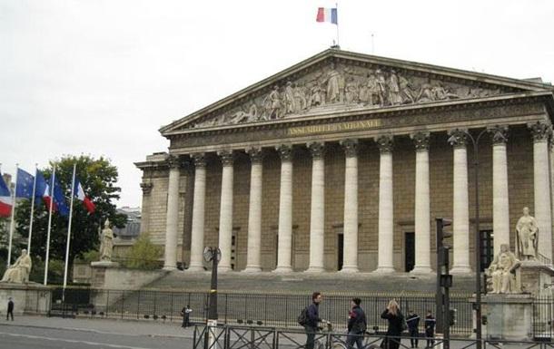 Парламент Франции одобрил закон о слежке за гражданами