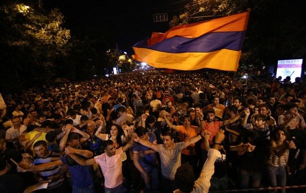 Протестующие в Ереване требуют отмены прошлогодней индексации тарифов