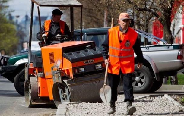 Киевские власти неспроста взялись за ремонт районов…