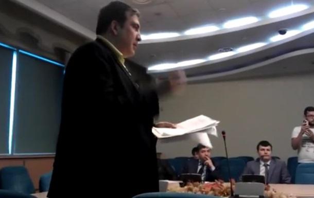 Саакашвили повздорил с главой Госавиаслужбы Антонюком