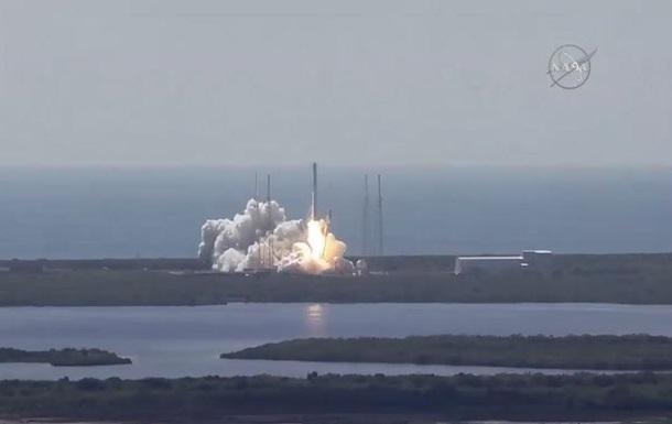 Американская ракета Falcon 9 взорвалась после старта