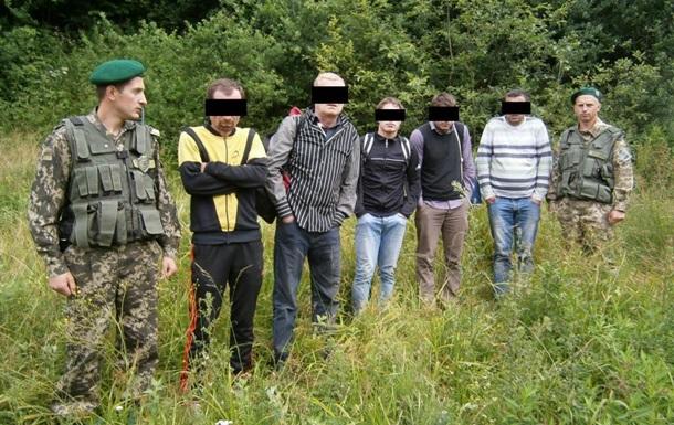 Под Чернобылем пограничники задержали четырех поляков
