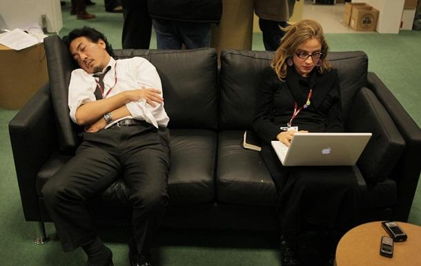 Ученые рассказали о пользе сна на рабочем месте