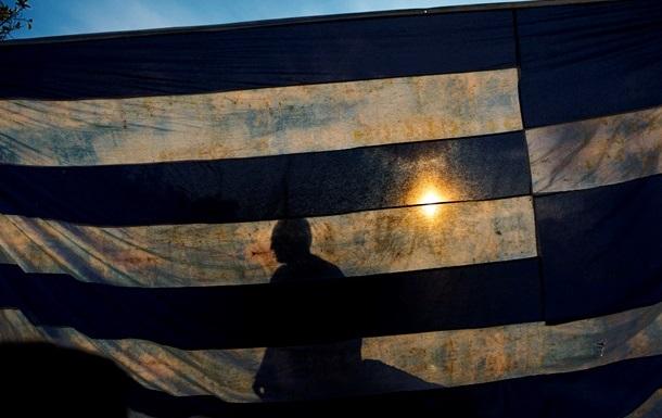 Европа не собирается спасать Грецию от дефолта – Reuters
