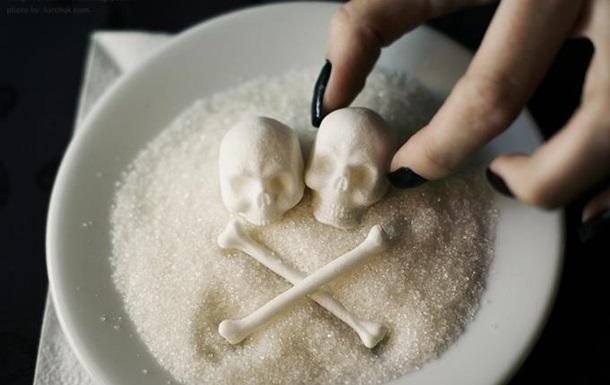 Ученые выяснили, сколько людей ежегодно умирает от сладких напитков