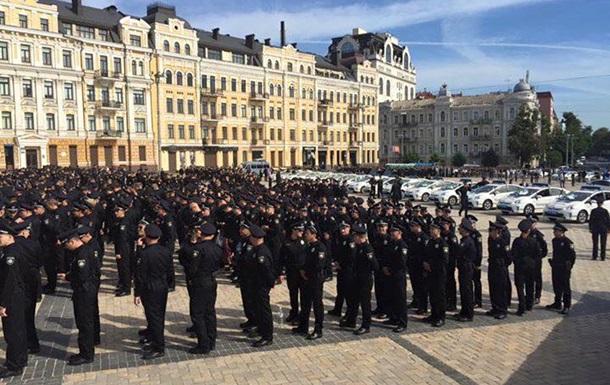 На улицы Киева выходит новая патрульная полиция
