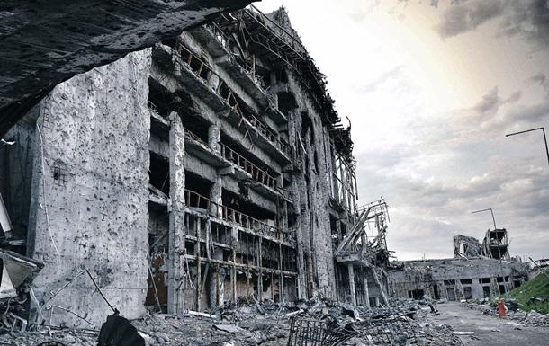 Наблюдатели ОБСЕ насчитали 152 взрыва в районе аэропорта Донецка