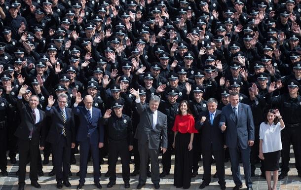 Яценюк рассказал, в каких городах, кроме Киева, появится новая полиция