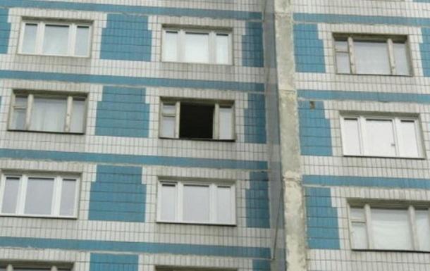 Москва: мужчина выбросил девушку и ее собаку с 7-го этажа