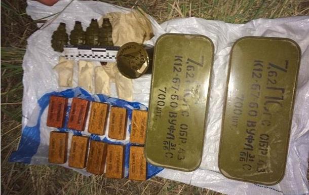 В Киеве возле водонапорной станции нашли тротил и гранаты