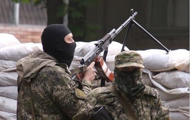 Перестрелка у Станицы Луганской: один военный погиб, один ранен