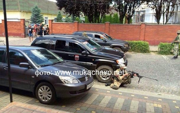 Аваков: Бандитов в Мукачево окружили, им поставлен ультиматум