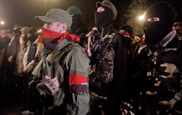 Из-за боевиков Правого сектора силовики эвакуируют жителей