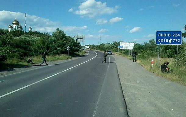 Перестрелка в Мукачево: трасса Киев-Чоп остается перекрытой