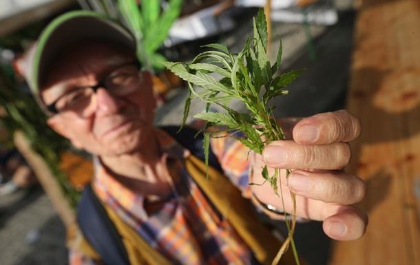 Врачи снова предложили использовать марихуану в медицинских целях