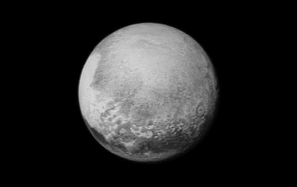 New Horizons показал  сердце  Плутона и каналы Харона