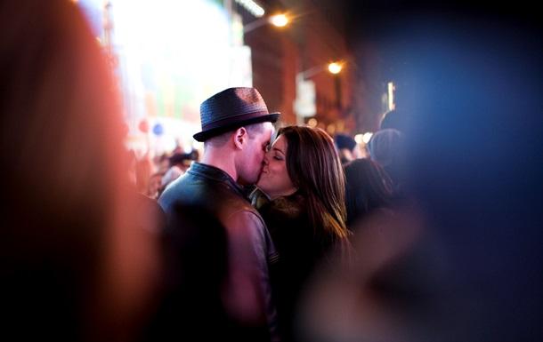 Больше половины жителей планеты не любит целоваться - исследование