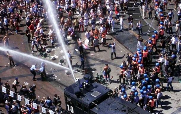 Полиции в Англии и Уэльсе не позволят применять водометы