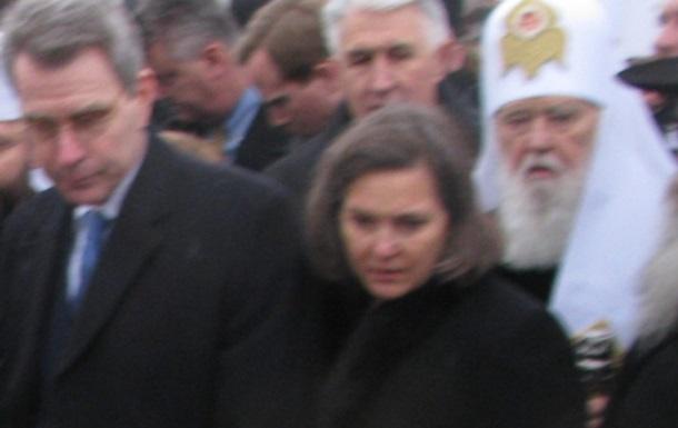 Привезла ли Нуланд печеньки «сатане украинского народа»?