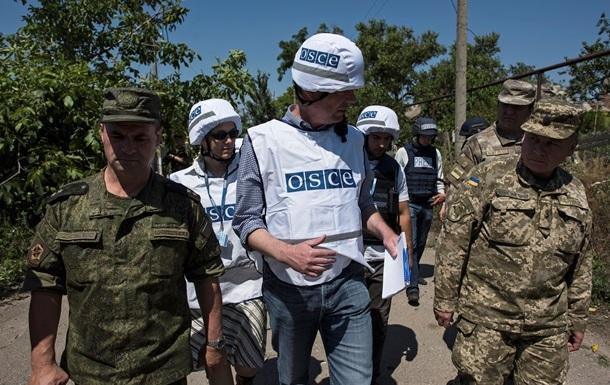 В Комсомольске сепаратисты заблокировали патруль миссии ОБСЕ