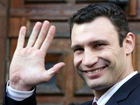Как Кличко пытается «выехать» за чужой счет