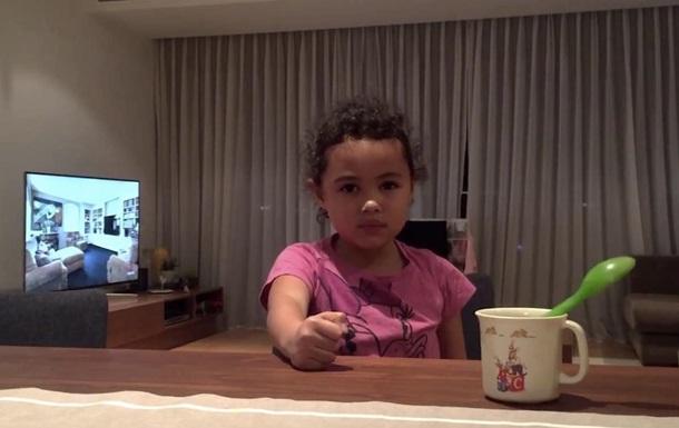 Настойчивая шестилетняя фокусница умеет удивлять: видеохит